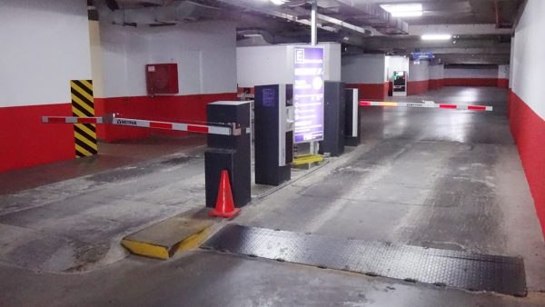 instalacion sistema de parking meypar santiago entrada y salida controling